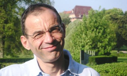 Pr Bruno Vergès, responsable de l'équipe