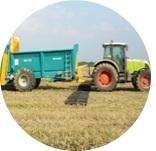 Tracteur essai au champ