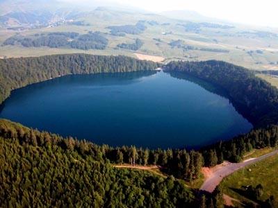 Lacs du Massif Central : Lac Pavin