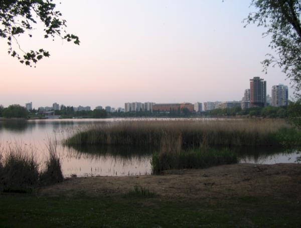 Créteil vu du lac